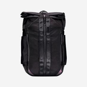 mochila-para-hombre-con-cierre-tipo-sobre-spurn-negro-Totto